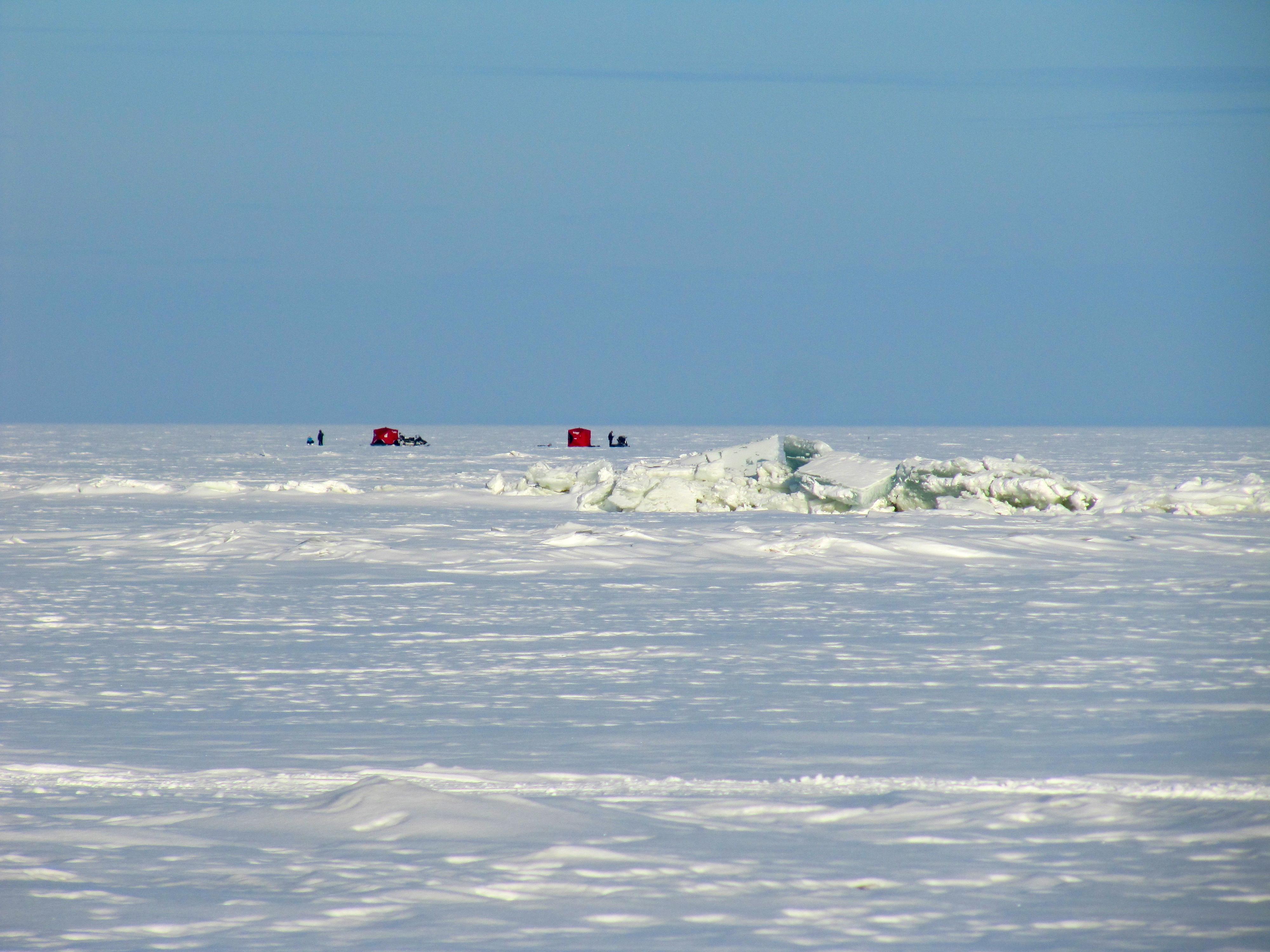 Lake winnipeg in february between brush strokes for Lake winnipeg ice fishing